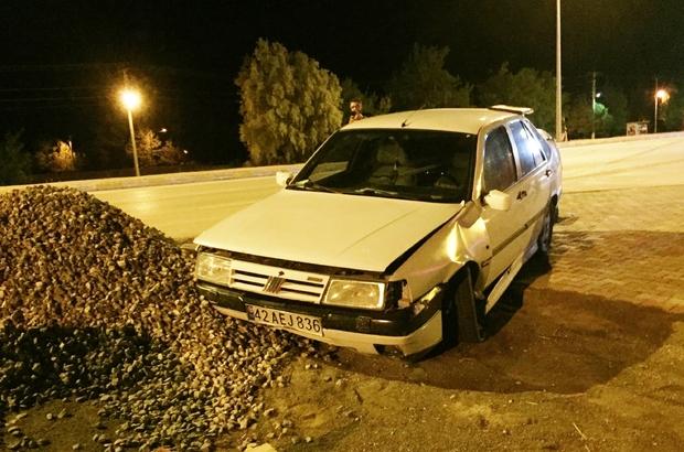 Karşı şeride geçen otomobil devrilmekten son anda kurtuldu