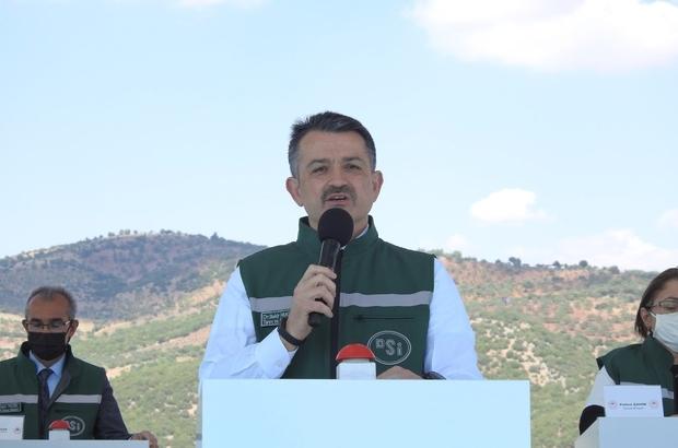 """Kilis'in 2050 yılına kadarki su ihtiyacını sağlayacak olan baraj hizmete açıldı Tarım ve Orman Bakanı Bekir Pakdemirli: """"Yukarı Afrin Barajı ve İçme Suyu İsale Hattı, Kilis için son derece önemli bir yatırımdır"""" """"Yukarı Afrin Projesi bittiğinde, Kilis'e toplam 765 milyon liralık yatırım yapmış olacağız"""""""