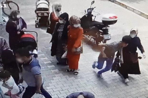 Kapkaççılar hamile kadının cüzdanını çaldı Kapkaç anı saniye saniye kameralara yansıdı