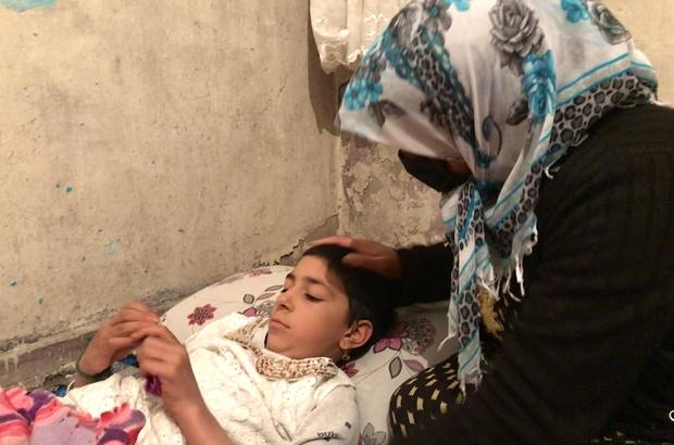 Geçirdiği beyin kanamasıyla yatağa mahkum olan Suriyeli Havin, yeniden yürüyebilmenin hayalini kuruyor