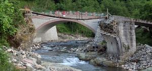 Yıkılan tarihi kemer köprünün yerine yeni kemer köprü yapıldı