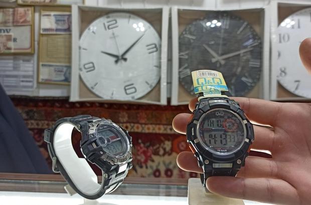 Su geçirmez saatlerin satışı arttı Tatile ve kampa gidecek olan vatandaşlar su geçirmez saatleri tercih ediyor