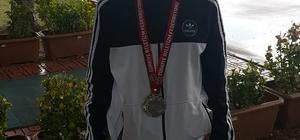 Gedizli atlet Ankara'dan gümüş madalya ile döndü