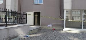 Rastgele girdiği apartmanın 8. katından atladı Polis, üzerinden kimlik çıkmayan genç kızın ailesini araştırıyor