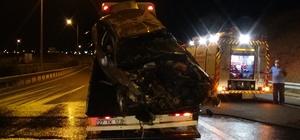 Alkollü gecenin sonu kazayla bitti: 1'i ağır 3 yaralı Kaza yapan otomobilden bira şişeleri çıktı