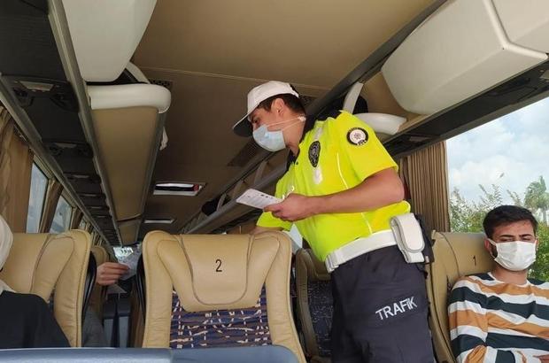 Trafik polislerinden korona ve kaza uyarısı Adana'da trafik polisleri hem yeni tip korona virüse karşı hem de oluşabilecek kazaların önüne geçmek için otogarda uygulama yaptı