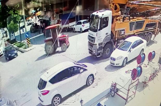 Namaz kılmak için camiye gitti, döndüğünde traktörünü yerinde bulamadı Park halindeki traktörü çalarak kayıplara karıştılar