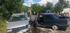 Bartın'da iki otomobil çarpıştı: 2 yaralı