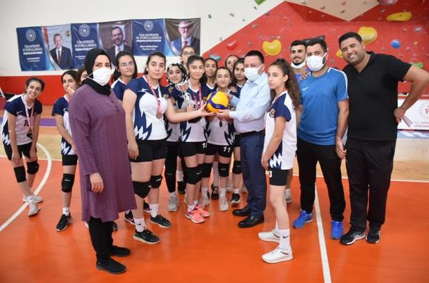 Bağlar Belediyespor Kadın Voleybol Takımı 2. Lig yolunda