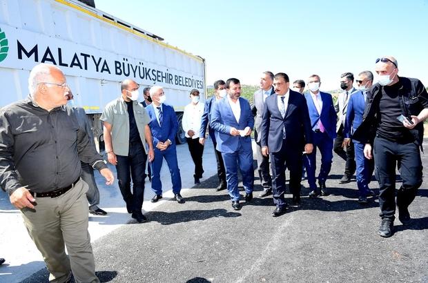 """Malatya'da çevreye duyarlı hizmetler devam ediyor Malatya Büyükşehir Belediye Başkanı Selahattin Gürkan: """"İlçeler çöp depolama yükünden kurtuluyor"""""""