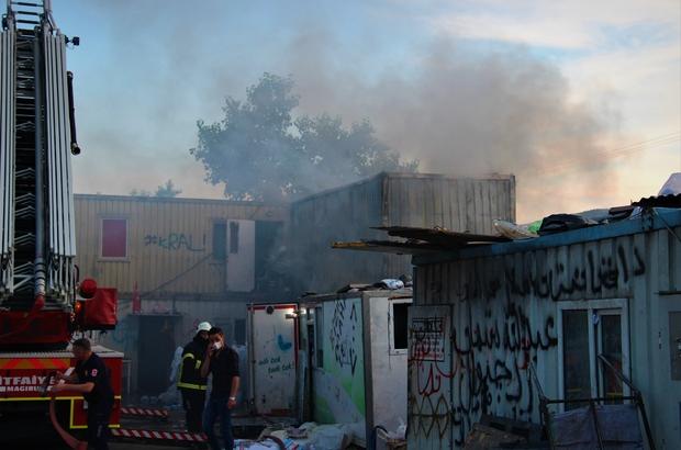 Geri dönüşüm deposunda korkutan yangın İşçilerin kaldığı konteyner alevlere teslim oldu