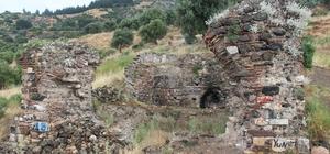 """(Özel) Manisalılar Fetih Mescidinde namaz kılacakları günü bekliyor Manisa'nın 1313 yılında Saruhan Bey tarafından Türk İslam şehri haline getirilmesinin ardından inşa edilen ve fethin sembolü olan mescidin harabe hali ecdadın kemiklerini sızlatıyor Yunusemre Belediye Başkanı Danışmanı Mehmet Emin Sofuoğlu: """"Burada namaz kılacağımız günlerin, ecdadımızı yad edeceğimiz günlerin hayalini kuruyoruz. Bir an önce bu hayale kavuşmak istiyoruz"""""""