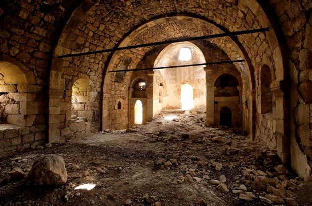 8 asırlık kilise turizme kazandırılmayı bekliyor Sivas'ın Zara ilçesinde bulunan 8 asırlık Alakilise turizme kazandırılmayı bekliyor