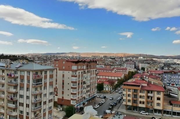 Sivas'ta konut satışı azaldı Sivas'ta Mayıs ayında satılan konut sayısı geçen yılın aynı ayına göre 58 adet azalarak 354'e geriledi.