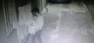 Gaziantep'te yaşanan hırsızlık pes dedirtti Çalacak bir şey bulamayınca site bahçesinde asılı olan çamaşırları çaldı Hırsızlık anları güvenlik kameralarınca saniye saniye kaydedildi Hırsız kuruması için asılan çamaşırları mağazadan alır gibi alıp kaçtı