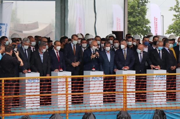 """Gebze OSB-Darıca Sahil Metro Hattı'nda tünel kazısına başlandı Ulaştırma ve Altyapı Bakanı Adil Karaismailoğlu: """"OSB-Gebze Gar arasındaki bölümünü 2023 yılının ilk çeyreğinde açmayı hedefliyoruz"""" """"Kanal İstanbul'a karşı çıkan zihniyet, geçmişte Marmaray'ı, Avrasya Tüneli'ni de istemedi"""" """"Açıldığında bir günde 330 bin yolcuya hizmet verecek kapasitede olacaktır"""" """"Hattımızın inşaatında yüzde 26 oranında ilerleme kaydettik"""""""