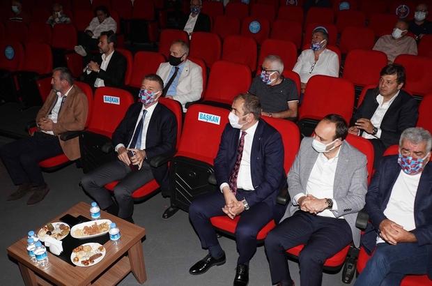 """Trabzonspor'un borcu 1 milyar 192 milyon 419 bin TL olarak açıklandı Trabzonspor Divan Kurulu bilgilendirme toplantısı yapıldı Trabzonspor Başkanı Ahmet Ağaoğlu: """"TFF aldığı karar, yabancı oyuncu planlarımızı ciddi bir şekilde değiştirecek"""" """"Limit sorunumuz yok"""" """"Kesinleşmiş bir şike vardır"""""""