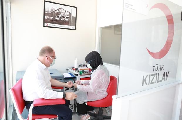"""Belediye Başkanından örnek davranış Sivas Belediye Başkanı Hilmi Bilgin """"14 Haziran """"Dünya Gönüllü Kan Bağışçıları Günü"""" dolayısıyla Kızılay'a kan bağışında bulundu"""