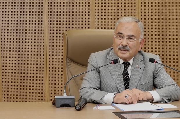 """Başkan Güler: """"Dedikodu yapmayın, karnınızdan konuşmayın"""" Ordu Büyükşehir Belediye Başkanı Mehmet Hilmi Güler, dedikodu çevrelerine açık ve net konuştu """"Açık ve net olun, dedikodu yapmayın, karnınızdan konuşmayın. Dedikodularla, duyumlarla, iftiralarla bir yere varılmaz. Getirin belgeyi denetim, teftiş, mahkeme dahil gereğini yapacağım"""" Biz rant çevrelerinin ayağına bastık. Çünkü rant, çıkar çevrelerinin değil halkın cebinde kaldı"""" """"Karadaki müsilaj Covid'den daha tehlikeli. Bunu da biz temizleyeceğiz"""" """"Siyaset dedikodu ile değil erdemle yapılır. Ben burada olduğum sürece dedikodu ile iş yapılmayacak"""""""