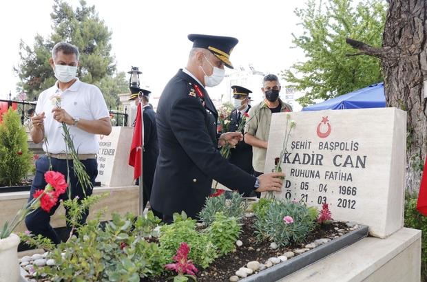 Jandarmanın 182. Kuruluş yıldönümü Tuğgeneral Başoğlu Atatürk anıtına çelenk bıraktı, şehitliği ziyaret etti