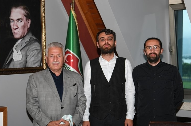 Bursaspor Kulübü, stadyum ve tesis çimlerini yeniden Muhittin İpek'e teslim etti