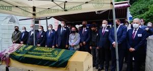 Kazada hayatını kaybeden Büşra öğretmen, toprağa verildi Cenazeye, Milli Eğitim Bakanı Ziya Selçuk da katıldı
