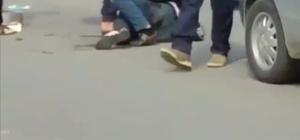 (Özel) Yaralı doktor ile saldırgan arasındaki boğuşma kamerada