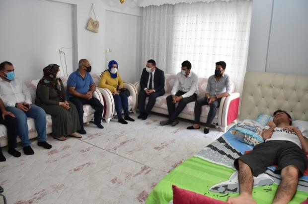Başkan Beyoğlu'ndan SSPE hastası Ferhat'a moral ziyareti