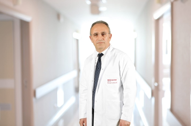 """Düzenli kan vermek kalp krizi riskini azaltıyor İç Hastalıkları Uzmanı Dr. Hüseyin Sağlam: """"Düzenli kan vermek kalp krizi geçirme riskini azaltır. Ayrıca damar hastalıklarını engeller, karaciğer, akciğer, kalın bağırsak gibi bazı kanser türlerinin gelişme riskini azaltır"""""""