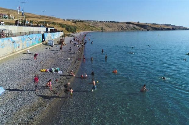 Şifa arayanların yeni adresi Van Gölü Hem serinlemek hem de şifa bulmak isteyenler Van Gölü'nde yüzme sezonunu açtı