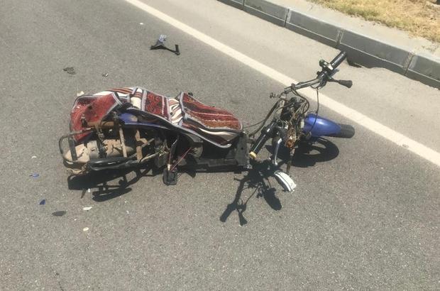 Ticari araçla çarpışan elektrikli bisikletteki 2 kişi öldü