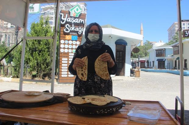 Şanlıurfa'da kadın emeği pazarı yeniden açıldı El emeği göz nuru ürünler pazarda sergileniyor
