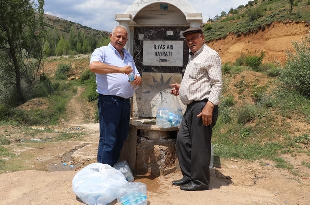 Bu çeşmeden şifa akıyor Böbrek taşı hastaları kilometrelerce uzaklıktan gelip bu sudan içiyorlar Sivas'ın Yıldızeli ilçesi Kaman köyünde çeşmeden akan sodalı suyun başta böbrek taşı olmak üzere  birçok hastalığa iyi geldiği düşünülüyor