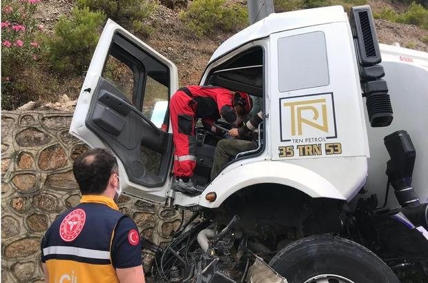 Mazot yüklü tanker şoförü ölümden döndü Sakartepe rampasından mazot yüklü tankerin fren hortumunun patlaması sonucu şoför bariyerlere çarparak aracını durdurabildi.