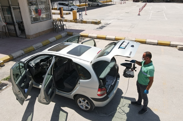 Efeler'in araç dezenfeksiyonuna vatandaşlar ilgi gösterdi