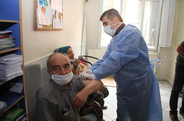 Aile hekimlerinde de 'Biontech' aşılaması başladı Kula'da günlük aşılama sayısı 700'lü rakamlara ulaştı