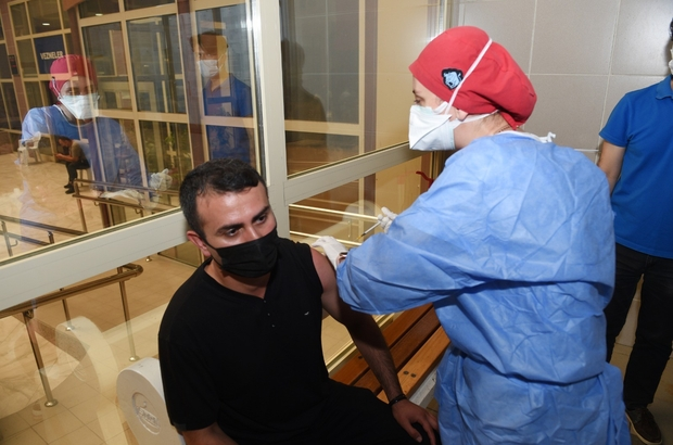 Seyhan Belediyesi çalışanlarının ilk doz aşıları yapıldı