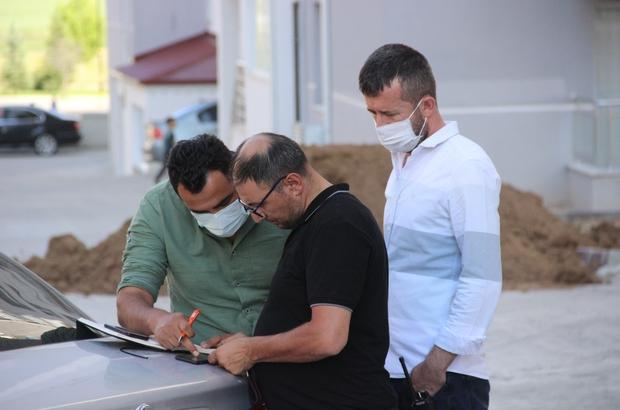 FETÖ'ye karıştın diyerek dolandırdılar Sivas'ta telefon dolandırıcıları aradıkları çifti, adlarının FETÖ'ye karıştığını söyleyerek 40 bin 500 TL dolandırdı