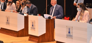 İzmir Büyükşehir Meclisinde İZBETON gerginliği