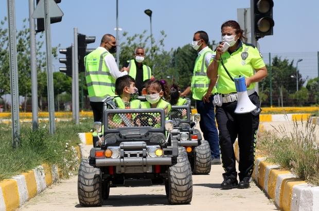 Van'da çocuklara trafik eğitimi