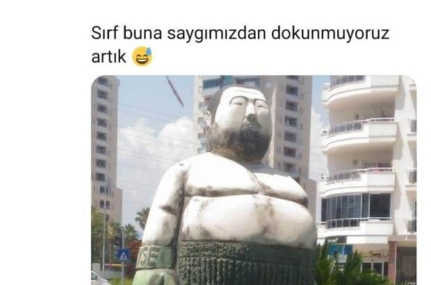 Mersin'deki şişman boksör heykeli espri konusu oldu Sosyal medya kullanıcıları tarafından boks şampiyonu Sinan Şamil Sam'a ait olduğu öne sürülerek paylaşımda bulunulan, ancak 2013 Akdeniz Oyunları öncesi Mersin'e gelen Güney Koreli heykel sanatçısı Kim Won Geun tarafından yapıldığı ortaya çıkan şişman boksör heykeli, kentte espri konusu oldu Heykel sanatçısı Kim Won Geun de sosyal medyada ve internet sitelerinde yer alan bu tarz haberlerin ardından açıklama yaparak, kimseyi sembolize etmeden iş yaptığını söyledi