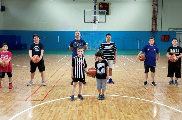 Yunusemre'de erkek basketbol kursları başladı