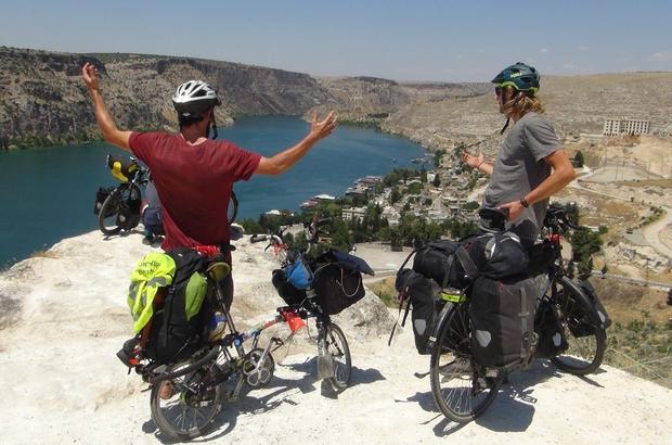 Bisikletle dünya turu yapan Avrupalılar Türkiye'ye hayran kaldı