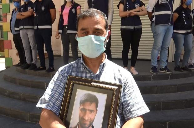 """HDP önündeki ailelerin çığlığı her geçen gün büyüyor Evlat nöbeti eylemine bir aile daha katıldı Kardeşi dağa kaçırılan ağabey Yemlihan Arul: """"Vatanına geri dön, huzurlu ol ve vatanın şerefli bir evladı ol"""""""