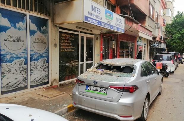 Balkondan düşen beton parçaları otomobile zarar verdi