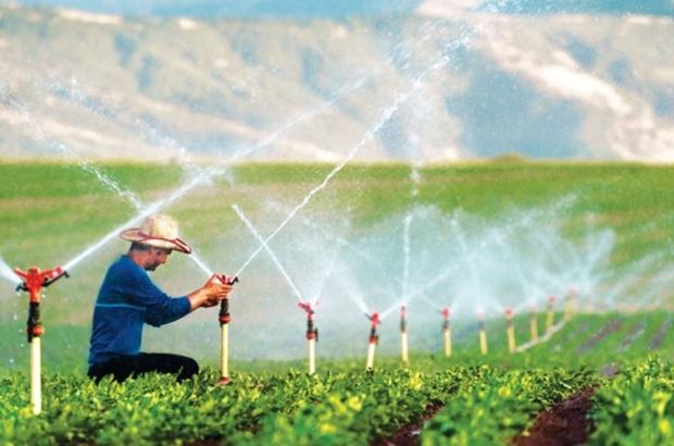 Eskişehir'de sulama sezonu başladı Bu sezon 327 bin 500 dekar tarım arazisinin sulanarak ülke ekonomisine 900 milyon 250 bin TL katkı sağlanmasının hedefleniyor