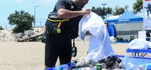 Denizden 4 saatte kilolarca atık çıkarıldı Mersin'in merkez ilçe Yenişehir Belediyesinin, Mersin Dalış Merkezi Spor Kulübü dalgıçlarıyla gerçekleştirdiği deniz dibi temizliğinde, plastikten cama, metalden pet şişelere kadar çok sayıda atık çıkarıldı