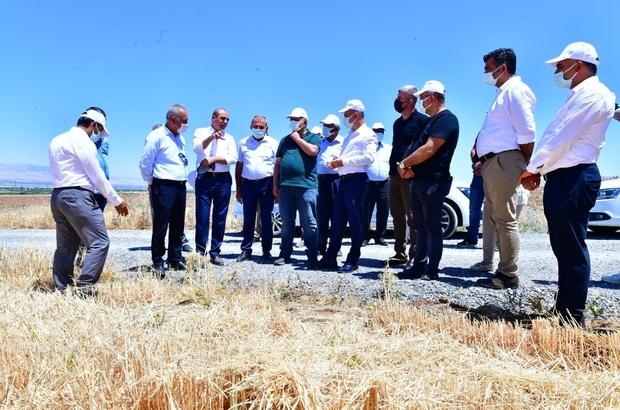 """Çınar, tarımsal üretim sahasındaki faaliyetleri inceledi Çınar: """"Tarımsal vizyonumuzu örnek projelerle geliştiriyoruz"""""""
