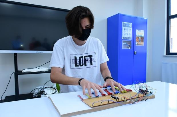 Özel EOSB Mesleki ve Teknik Anadolu Lisesi'nden büyük başarı Tasarladıkları enstrüman ile birincilik elde ettiler
