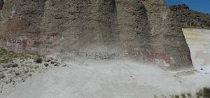 Kültüre yapılan saygısızlık temizlendi Peri bacalarına yazılan yazılar silindi